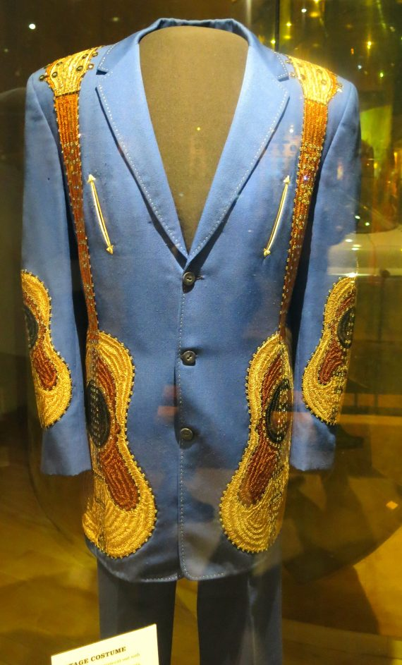 I love this it is Dan Gibson's suit.