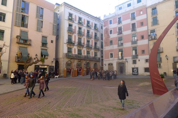 Further on into El Born is this square that commemorates the defeat of the Catalans by the Bourbons in 1714 and the conclusion of the War of  Succession.
