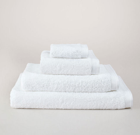 I know they are just white towels. Bur white towels are the best. These are by Frette. Nobody ever has enough white towels.