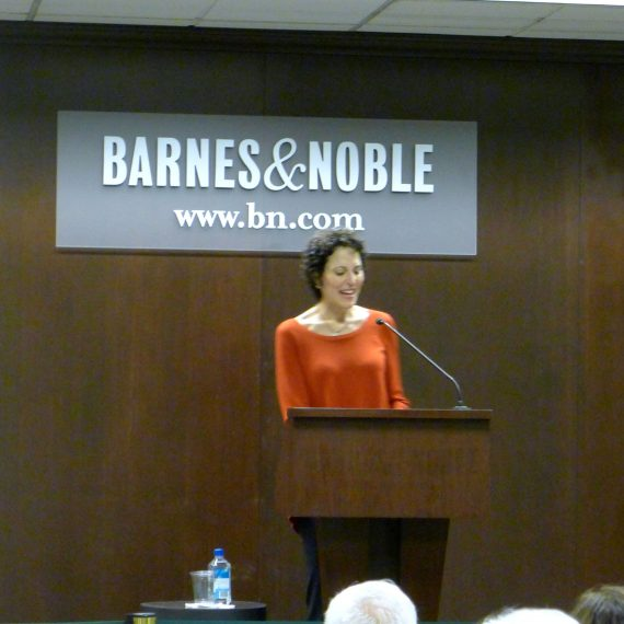 Linda Yellin reading her book What Nora Knew to a packed  Barnes and Noble.